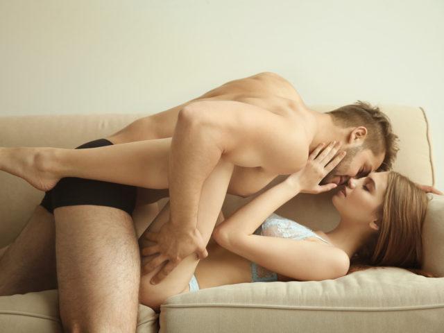 エナジードリンクはセックス前に飲むべき?飲むタイミングはいつが効果的?